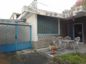 Casa En Venta En Caracas, El Marques, Venezuela, VE RAH: 17-4867
