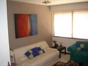 Apartamento En Venta En Maracaibo, Avenida El Milagro, Venezuela, VE RAH: 17-4763