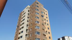 Apartamento En Venta En Valencia, Agua Blanca, Venezuela, VE RAH: 17-4805