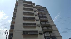Apartamento En Venta En Valencia, Avenida Bolivar Norte, Venezuela, VE RAH: 17-4813