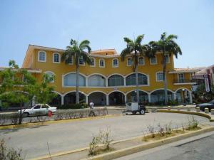 Local Comercial En Venta En Lecheria, Complejo Turistico El Morro, Venezuela, VE RAH: 17-4829