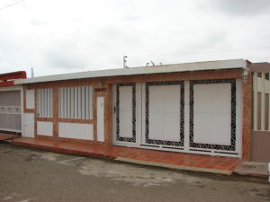 Townhouse En Venta En Maracaibo, La Picola, Venezuela, VE RAH: 17-4837