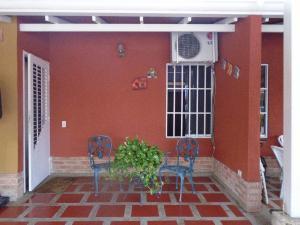 Casa En Venta En Municipio San Diego, Valle De Oro, Venezuela, VE RAH: 17-4850