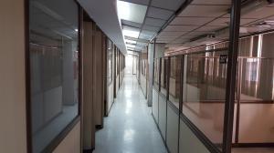 Edificio En Alquiler En Caracas, La Urbina, Venezuela, VE RAH: 17-4872