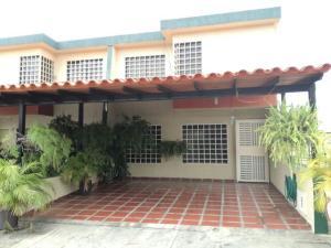 Townhouse En Venta En Municipio San Diego, Sabana Del Medio, Venezuela, VE RAH: 17-4880