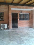 Casa En Venta En Guatire, Villa Del Este, Venezuela, VE RAH: 16-14822