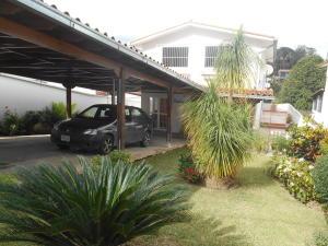 Casa En Alquiler En Los Teques, Macarena Sur, Venezuela, VE RAH: 17-4952