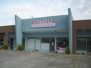 Local Comercial En Venta En Municipio Los Guayos, Paraparal, Venezuela, VE RAH: 17-4936