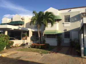 Townhouse En Venta En Maracaibo, El Pilar, Venezuela, VE RAH: 17-5956