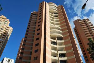 Apartamento En Venta En Valencia, Las Chimeneas, Venezuela, VE RAH: 17-5002