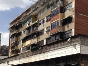 Apartamento En Venta En Caracas, San Martin, Venezuela, VE RAH: 17-4997