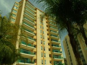 Apartamento En Alquiler En Caracas, Las Mesetas De Santa Rosa De Lima, Venezuela, VE RAH: 17-5007