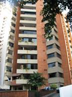 Apartamento En Venta En Valencia, Valles De Camoruco, Venezuela, VE RAH: 17-5011