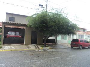 Casa En Venta En Cabudare, Parroquia José Gregorio, Venezuela, VE RAH: 17-5250