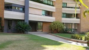 Apartamento En Venta En Valencia, Valle Blanco, Venezuela, VE RAH: 17-5019