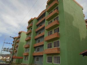 Apartamento En Venta En Municipio San Diego, Monteserino, Venezuela, VE RAH: 17-5021