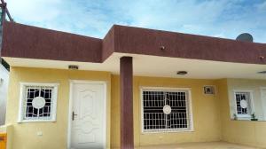 Casa En Venta En Ciudad Ojeda, Barrio Libertad, Venezuela, VE RAH: 17-5029