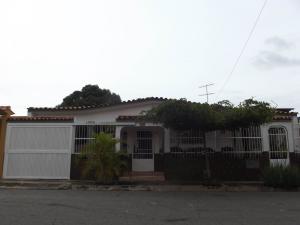 Casa En Venta En Municipio San Diego, La Esmeralda, Venezuela, VE RAH: 17-5061