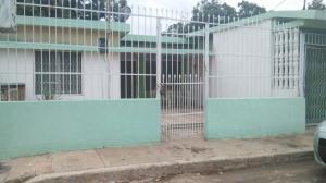 Casa En Venta En Municipio San Francisco, Zona Industrial, Venezuela, VE RAH: 17-5065