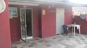 Apartamento En Venta En Caracas, Catia, Venezuela, VE RAH: 17-5069