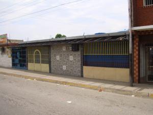 Local Comercial En Venta En Maracay, Coropo, Venezuela, VE RAH: 17-5097