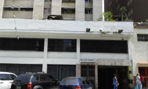 Apartamento En Venta En Caracas, Parroquia Santa Rosalia, Venezuela, VE RAH: 17-5178