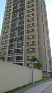 Apartamento En Venta En Maracaibo, Avenida Universidad, Venezuela, VE RAH: 17-5154