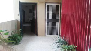 Apartamento En Venta En Maracaibo, Circunvalacion Uno, Venezuela, VE RAH: 17-5156