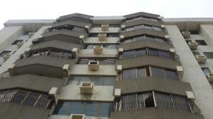 Apartamento En Venta En Maracaibo, Avenida Delicias Norte, Venezuela, VE RAH: 17-5162