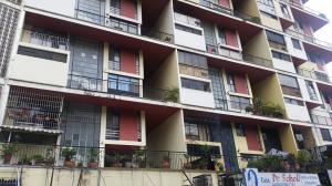 Apartamento En Venta En Caracas, El Paraiso, Venezuela, VE RAH: 17-5164