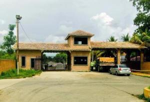 Terreno En Venta En Valencia, Safari Country Club, Venezuela, VE RAH: 17-5177