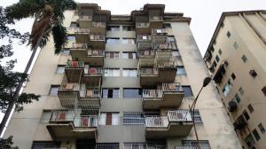 Apartamento En Venta En Valencia, San Jose De Tarbes, Venezuela, VE RAH: 17-5194