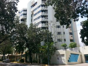 Apartamento En Venta En Parroquia Caraballeda, Caribe, Venezuela, VE RAH: 17-6461