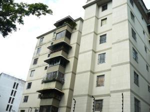 Apartamento En Venta En Caracas, El Marques, Venezuela, VE RAH: 17-5239