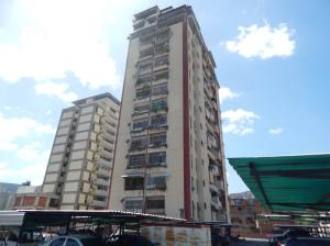 Apartamento En Venta En Caracas, San Martin, Venezuela, VE RAH: 17-5488