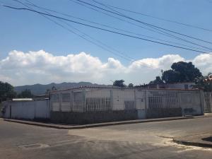 Casa En Venta En Municipio Naguanagua, Santa Ana, Venezuela, VE RAH: 17-5231