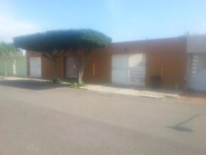 Casa En Venta En Maracaibo, Las Camelias, Venezuela, VE RAH: 17-5234