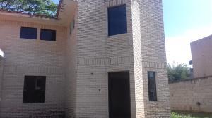 Townhouse En Venta En Municipio San Diego, El Remanso, Venezuela, VE RAH: 17-5287