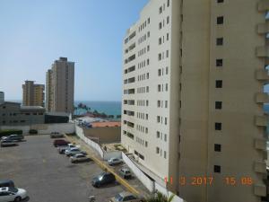 Apartamento En Venta En La Guaira, Sector Las Quince Letras, Venezuela, VE RAH: 17-5254