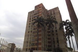 Apartamento En Venta En Valencia, Avenida Lara, Venezuela, VE RAH: 17-5291