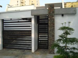 Casa En Venta En Valencia, Valles De Camoruco, Venezuela, VE RAH: 17-5312