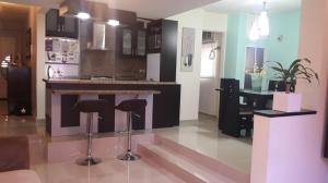 Apartamento En Venta En Maracaibo, Valle Frio, Venezuela, VE RAH: 17-5310