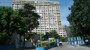 Apartamento En Venta En Parroquia Caraballeda, Los Corales, Venezuela, VE RAH: 17-5335