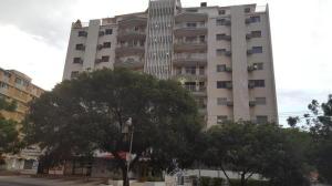 Apartamento En Venta En Maracaibo, Calle 72, Venezuela, VE RAH: 17-5341