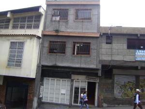 Edificio En Ventaen Los Teques, Municipio Guaicaipuro, Venezuela, VE RAH: 17-6068