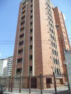 Apartamento En Venta En Valencia, Avenida Bolivar Norte, Venezuela, VE RAH: 17-6109