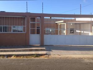 Casa En Venta En Punto Fijo, Judibana, Venezuela, VE RAH: 17-5366