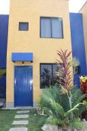Townhouse En Venta En Higuerote, Puerto Encantado, Venezuela, VE RAH: 17-5392