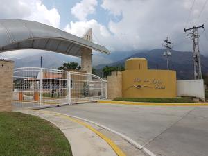 Casa En Venta En Municipio San Diego, La Cumaca, Venezuela, VE RAH: 17-5389