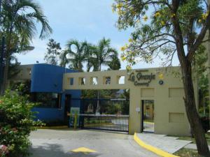 Apartamento En Venta En Municipio Naguanagua, La Granja, Venezuela, VE RAH: 17-5705